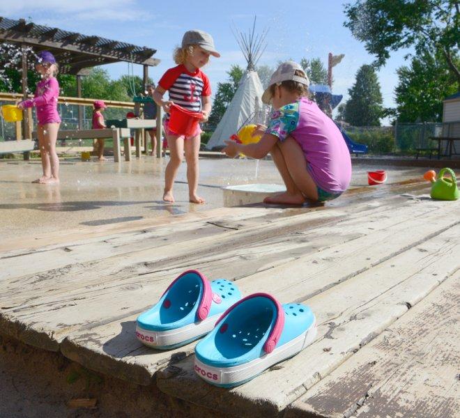 Enfants jeux d'eau